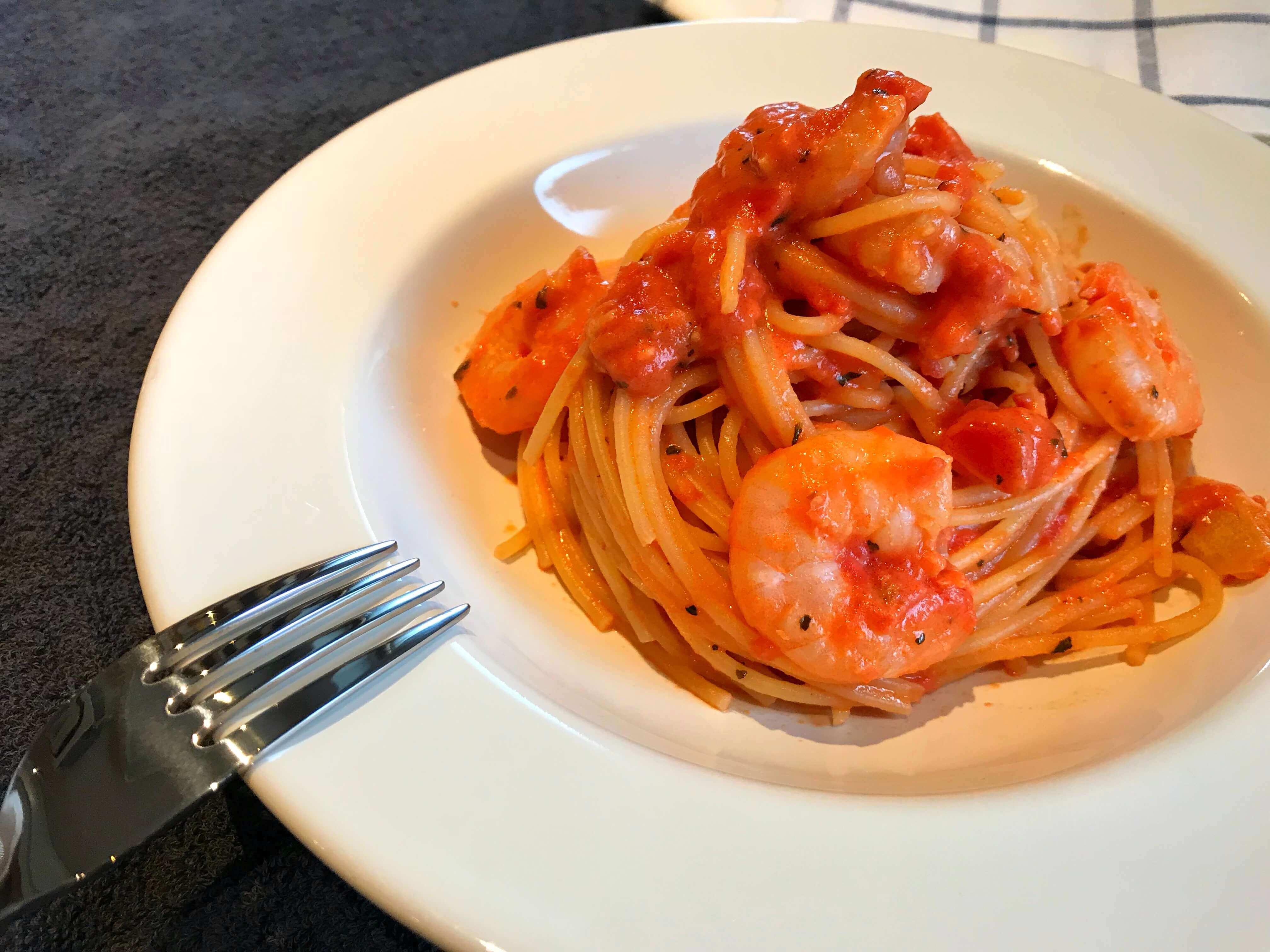 【濃厚!】海老のトマトクリームパスタのレシピ
