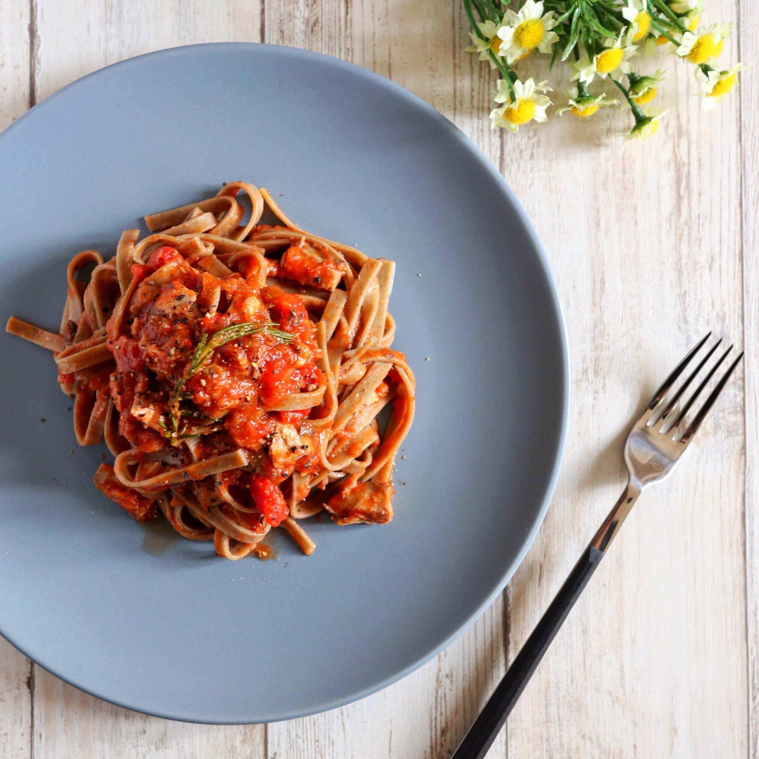 【絶品!】鯖とローズマリーのトマトパスタのレシピ