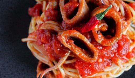 【コスパ最高!】イカ缶の海鮮トマトパスタのレシピ