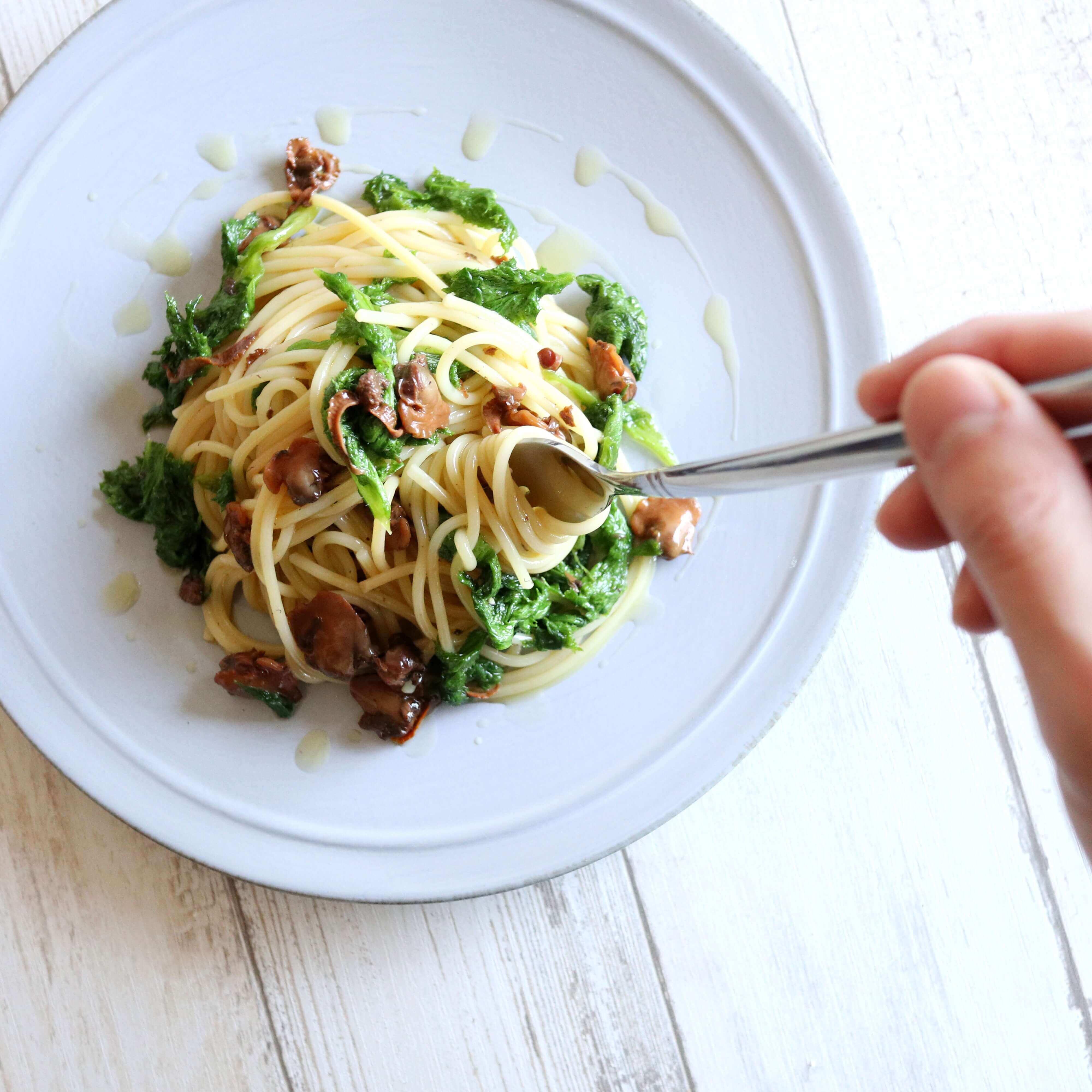 【絶品】赤貝とわさび菜の和風パスタのレシピ