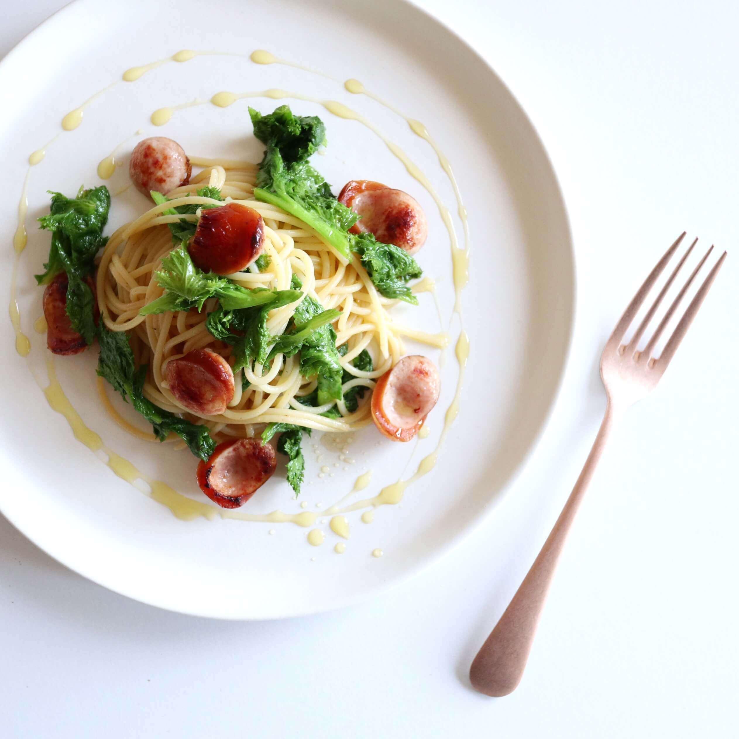 【絶品!】ソーセージとわさび菜のペペロンチーノのレシピ