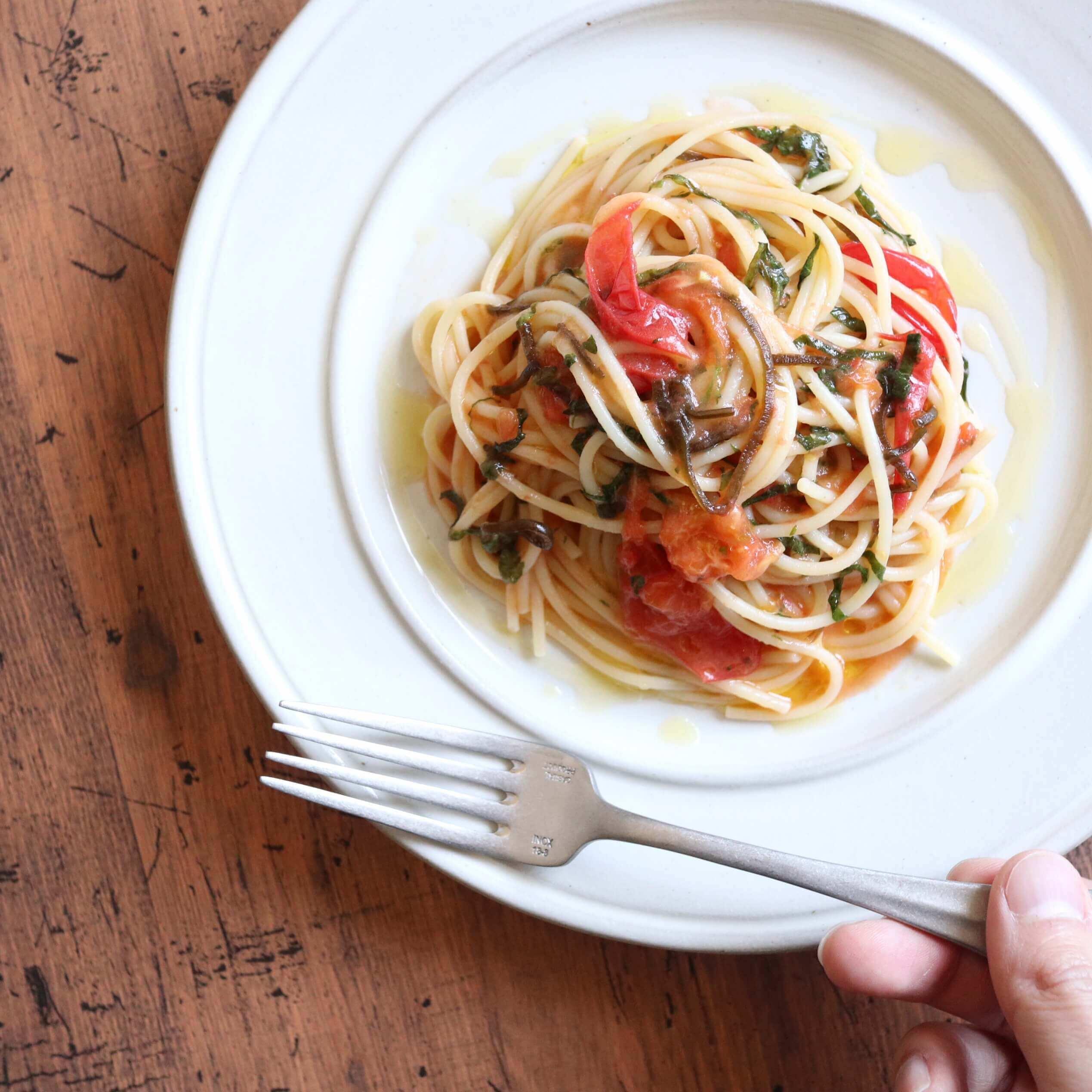 【絶品!】トマトと大葉の和風パスタのレシピ