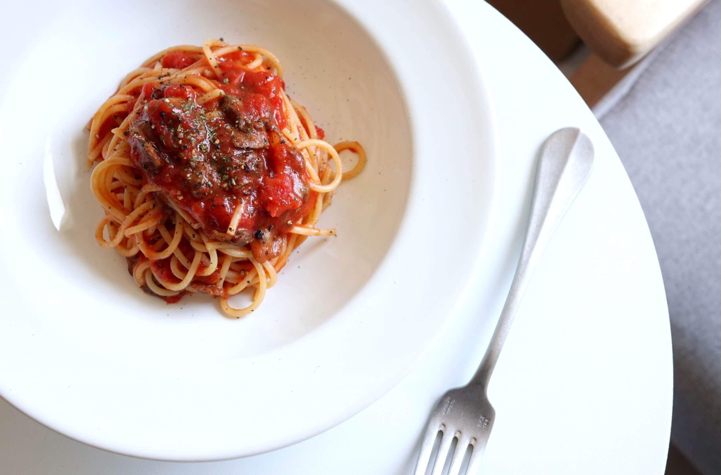 【缶詰で簡単!】赤貝のトマトパスタのレシピ