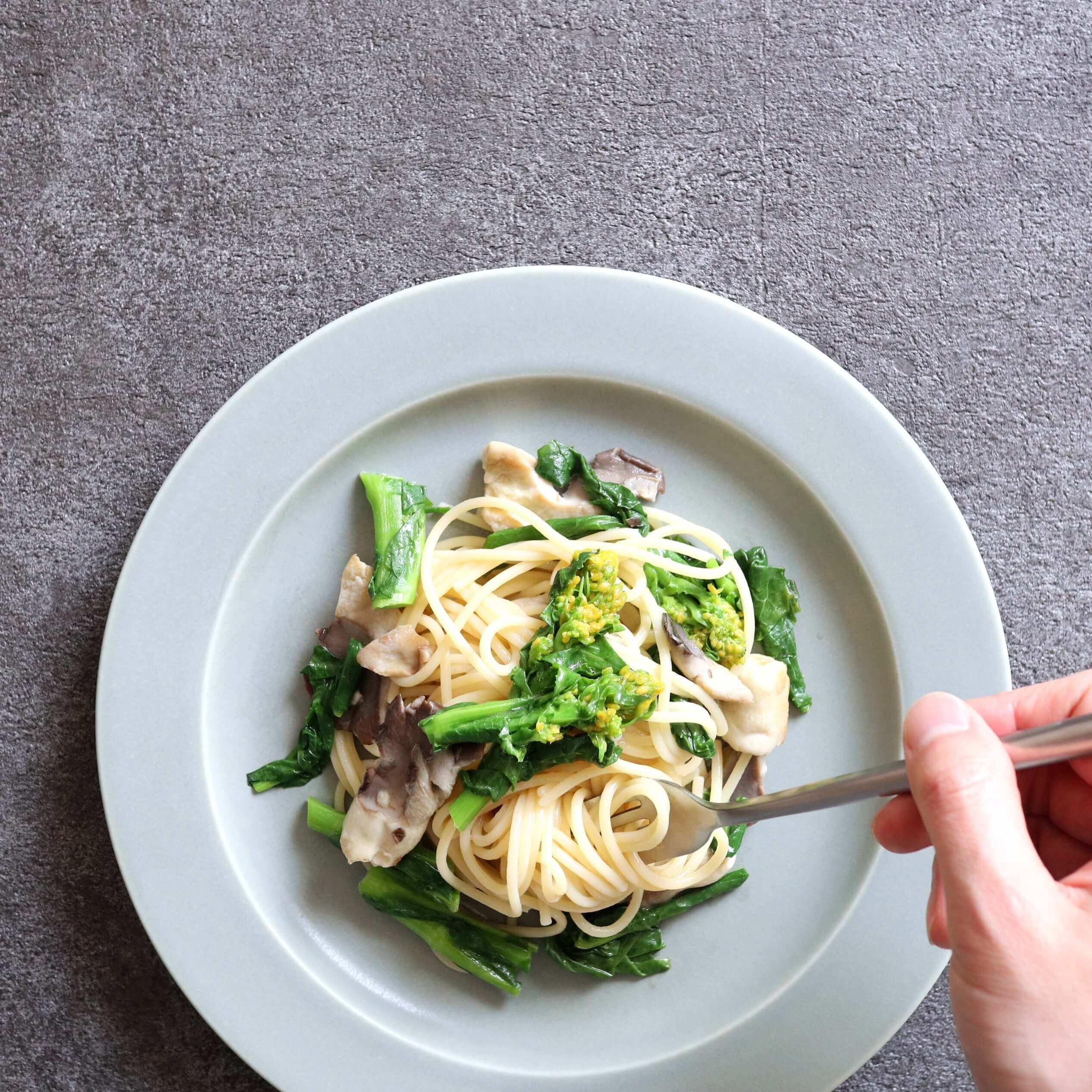 【超簡単】菜の花とあわび茸のオイルパスタのレシピ