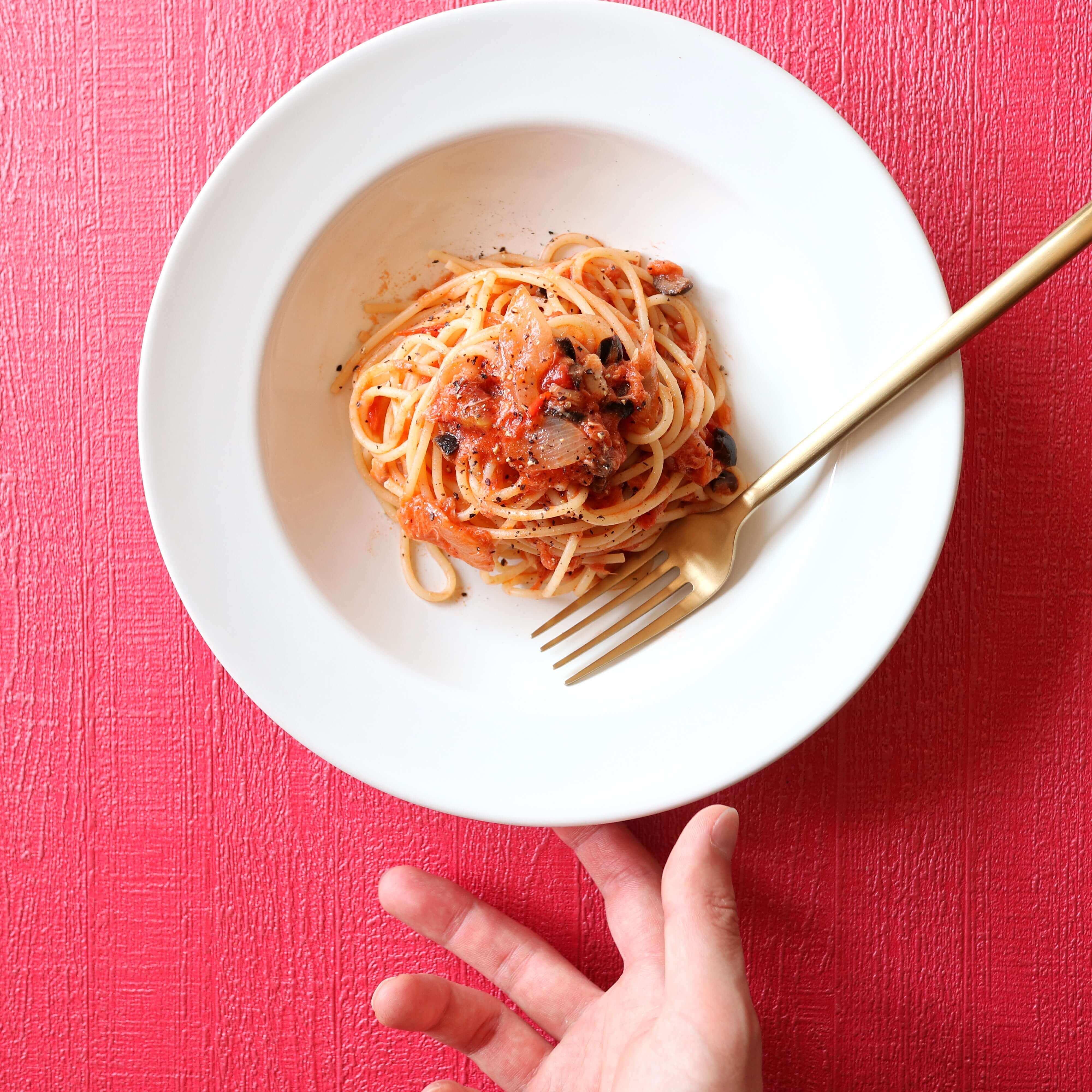 【大絶賛】ツナとオリーブのトマトパスタのレシピ