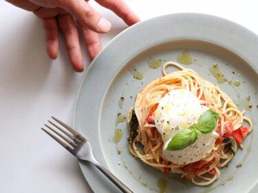 【絶品!】フレッシュトマトとモッツァレラのパスタのレシピ