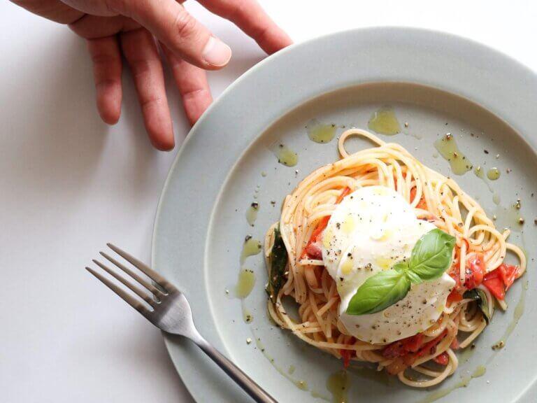 フレッシュモッツァレラとトマトのパスタ