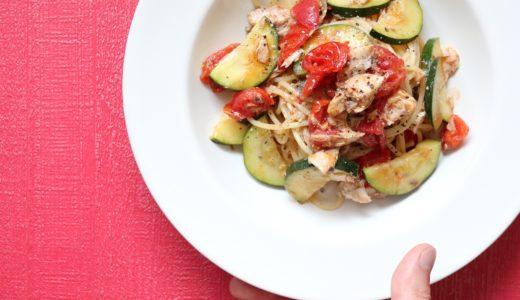 【絶品!】鯖缶と夏野菜のオイルパスタのレシピ