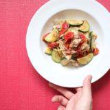 鯖缶と夏野菜のオイルパスタ