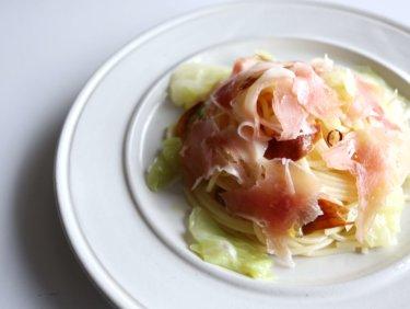 【乗せて簡単】生ハムとキャベツのペペロンチーノのレシピ