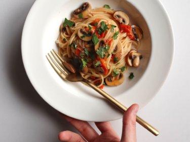 【超簡単】マッシュルームとトマトのパスタのレシピ