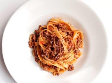 【これぞプロの味!】本格ボロネーゼ・タリアテッレのレシピ