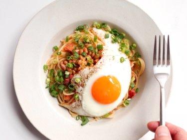 【お手軽ランチに】カリカリベーコンと納豆のパスタのレシピ