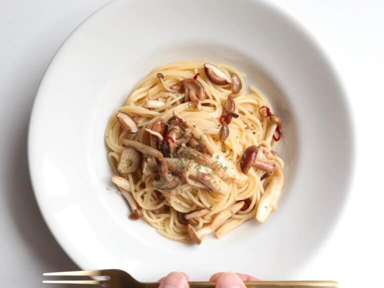 4種の炒めきのこのペペロンチーノ