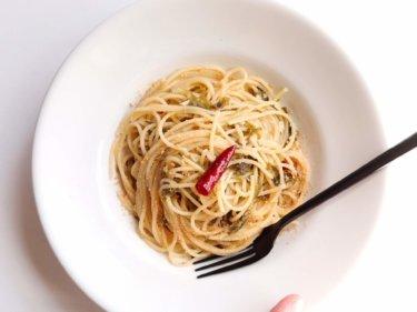 【簡単!】あおさ海苔とすりごまのペペロンチーノのレシピ
