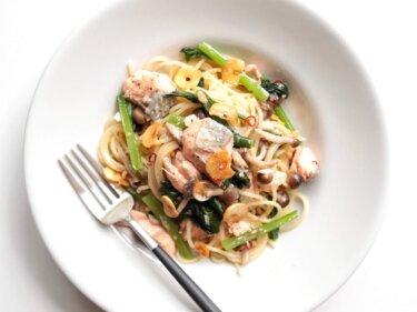 【絶品】秋鮭と小松菜のペペロンチーノのレシピ